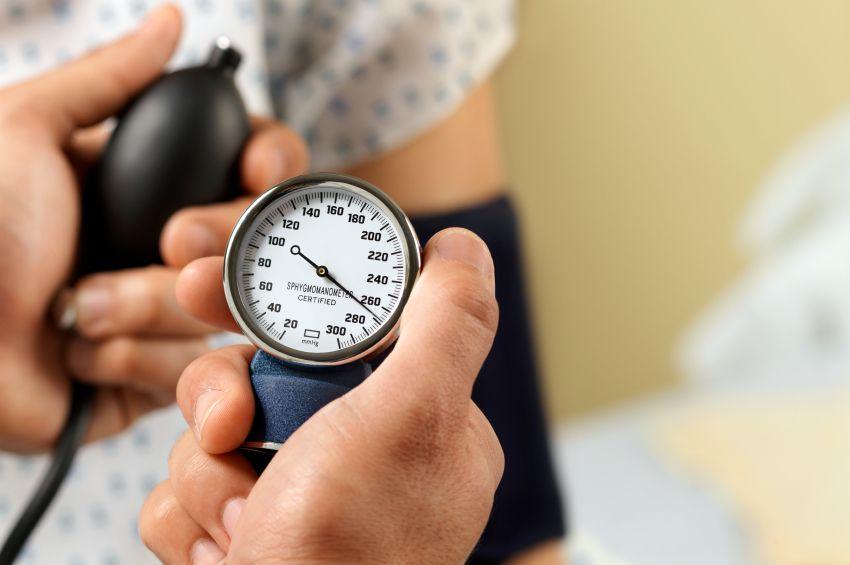 فشار خون و گرفتگی عروق پا