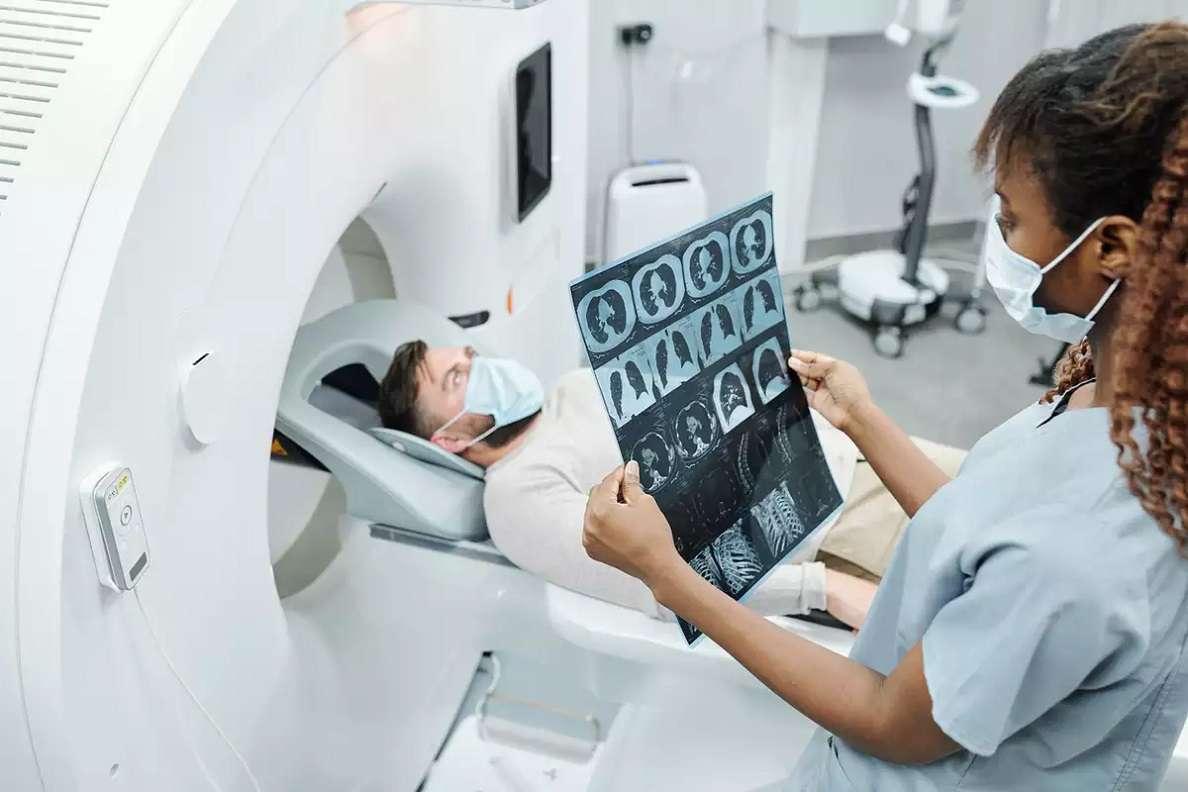عکس دستگاه اسکن هسته ای قلب