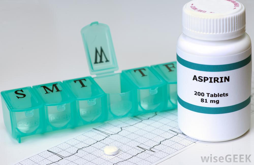 bottle-of-low-dose-aspirin-with-pill-reminder