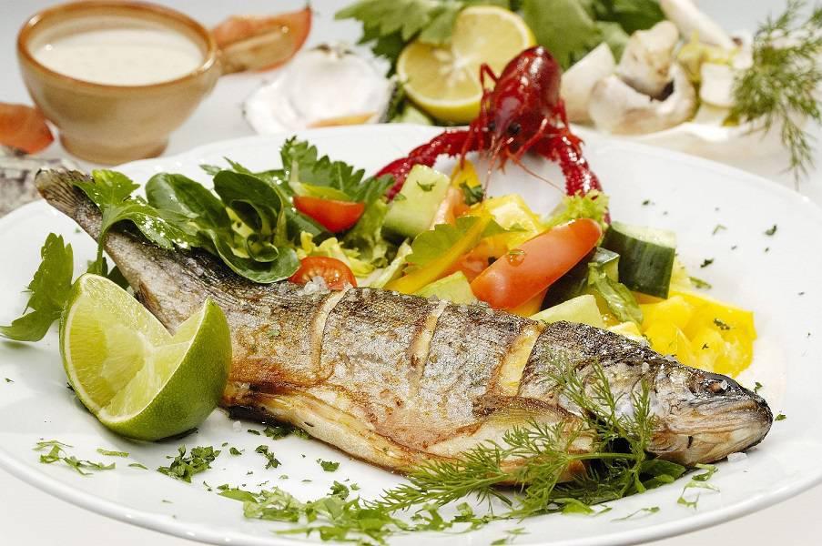 کاهش فشار خون با ماهی