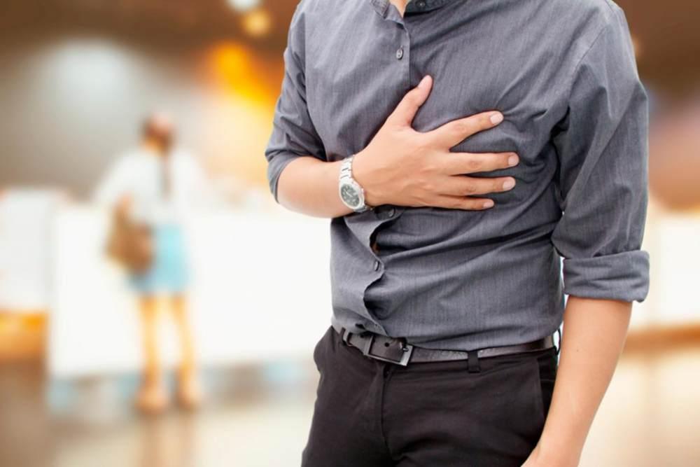 بررسی علت درد قفسه سینه