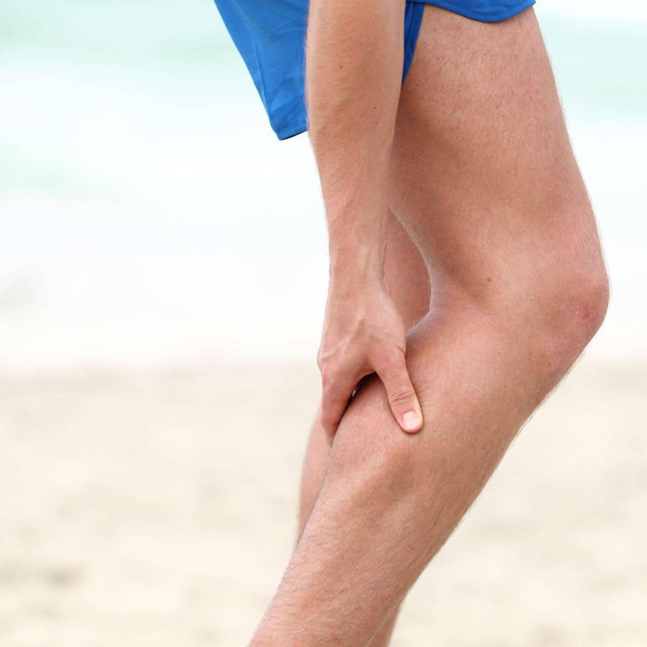 تورم رگ پشت ساق پا