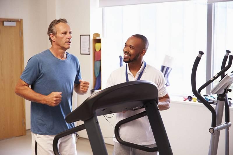 مشورت با پزشک برای ورزش بیماران قلبی